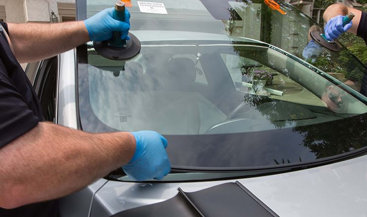 what is auto glass replacement